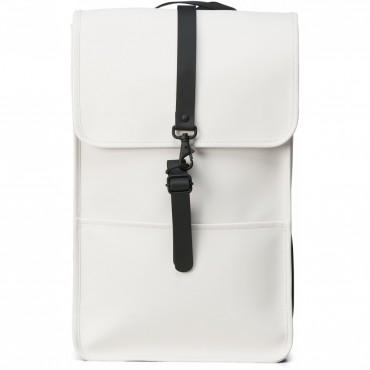 Backpack rains off white