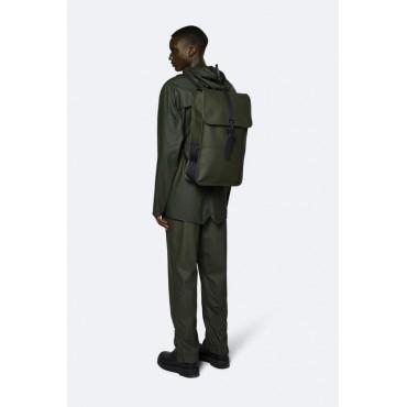 Backpack rains green